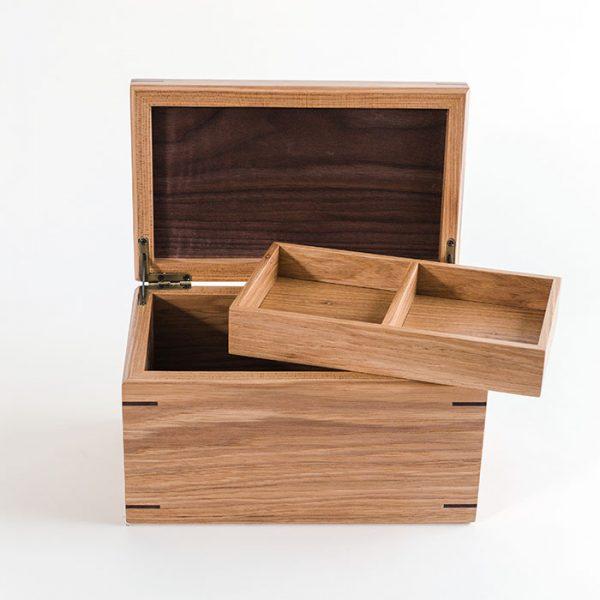 box with tray