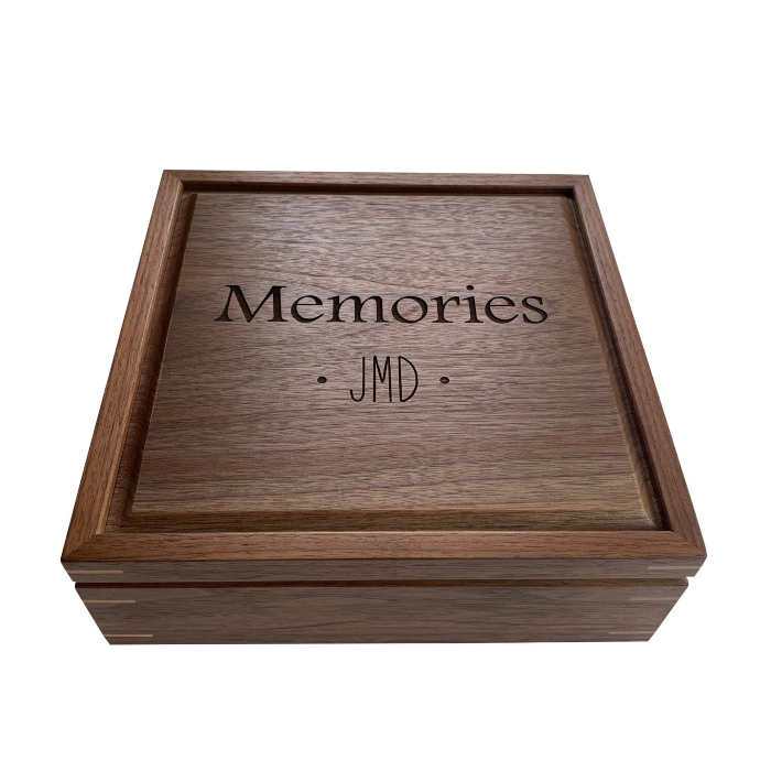 Square Keepsake Box – Personalized – Walnut with Maple Corner Splines