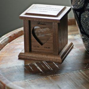 tiny pet urn